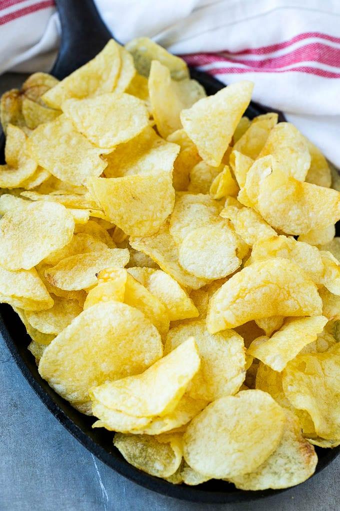 Las patatas fritas son la base de los nachos irlandeses.