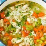 Sopa de pollo y arroz